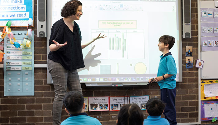 Dr Sara Mills at Macquarie University's MUSEC school teaches her students using evidence-based methods some of which were developed on campus.