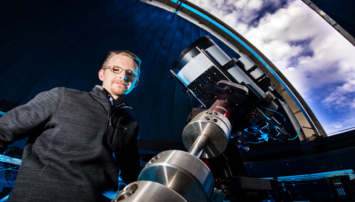 Dr Richard McDermid ARC Future Fellow, Department of Physics and Astronomy Centre in Astronomy, Astrophysics & Astrophotonics